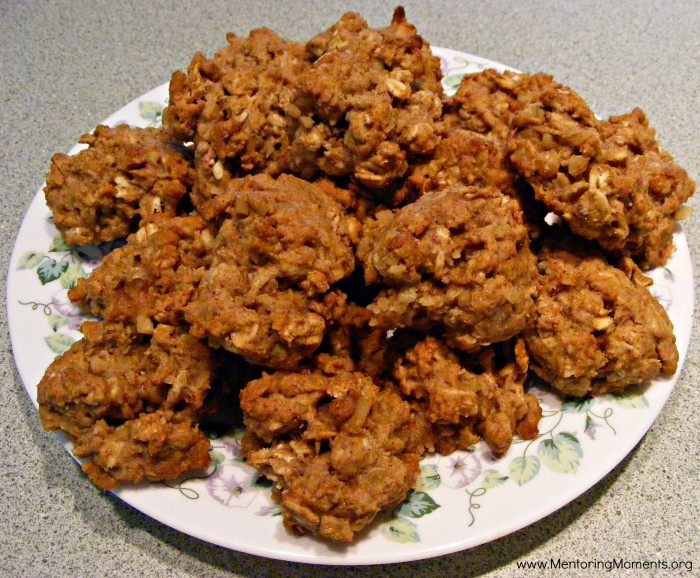 Oatmeal cookies / photo by Kelly Stigliano